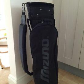Black lighweight golf bag