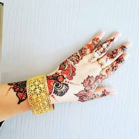 Makeup Artist And Henna mendi specialist