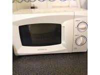 Daewoo white microwave oven