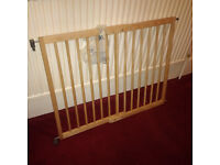 lindam extendable wooden stair gate 100cm, can be shortened or lengthed G72
