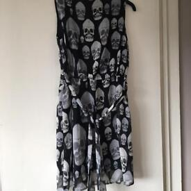 Ladies skull design dress size m/l