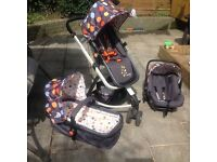 Cosatto giggle travel system ,Car seat ,Buggy,Carry cot.Plus accessories ,rain covers and cosy toes