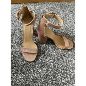 Size 3 New Look heels