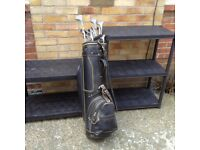 Gents Golf Set in green carry bag complete with 13 clubs and golf balls