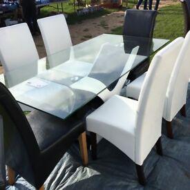 HIGH GLOSS AND GLASS TABLE