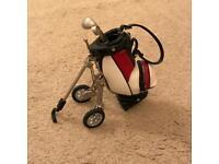 Mini desk top ornament golf bag and high quality sticks