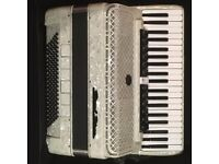 Pearl River 120 Bass Accordion (White) with Soft Case