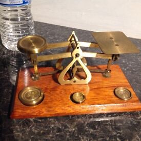 Vintage postage scales in lovely condition