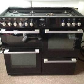Large gas range cooker