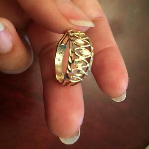 Brand New 10K Yellow Gold Ring Size 7