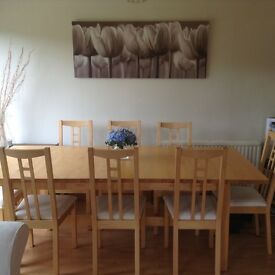 Dining table for sale £50 no chairs. Extends from 8 to 12 seats.
