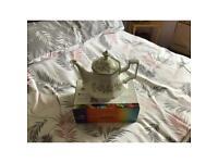 Teapot of pattern Eternal Beau by Johnson & Johnson.
