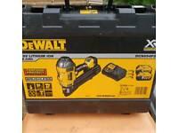Brand new first 1st fix DEWALT - DCN694P2 18V XR Brushless Nailer Nail Gun 2x 5.0Ah Battery