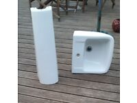 Bathroom sink and stand. white Good condition.