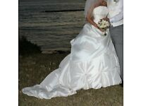 Beautiful ivory satin wedding dress for sale size 6/8.