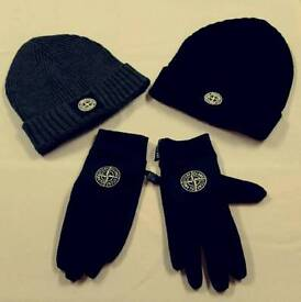 STONE ISLAND GLOVES AND HAT SET