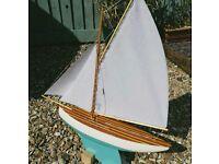 Beautiful hand made Gaff Pond Yacht - Haycroft Pond Yachts