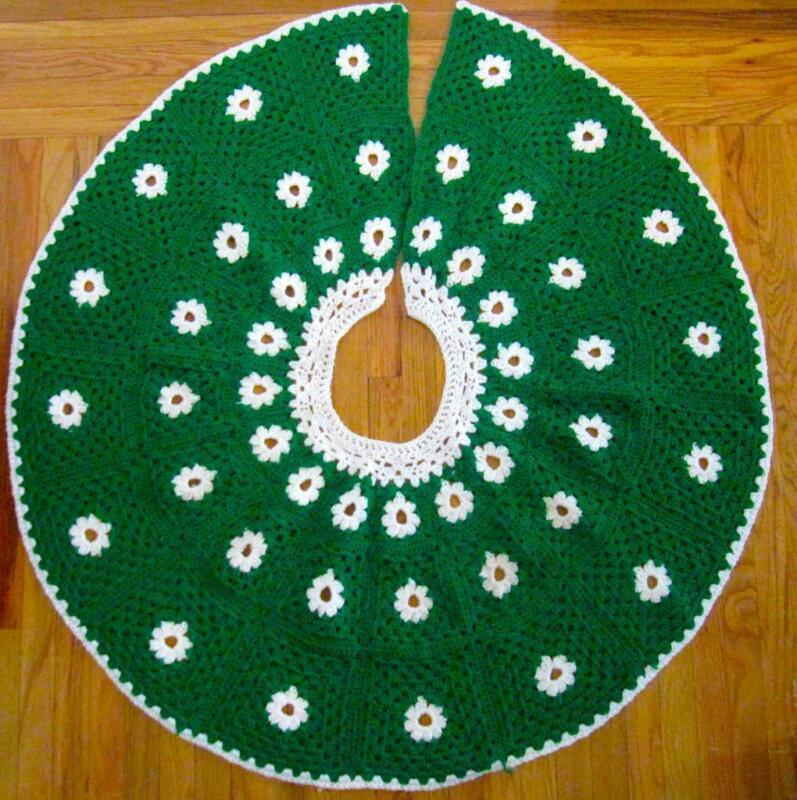 VTG 60s 70s Christmas XMAS Tree Crochet KNIT SKIRT Granny Square AFGHAN 44 In.