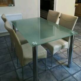 Dining table and 4 or 6 chairs