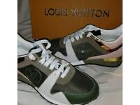 Louis Vuitton sneakers size 5