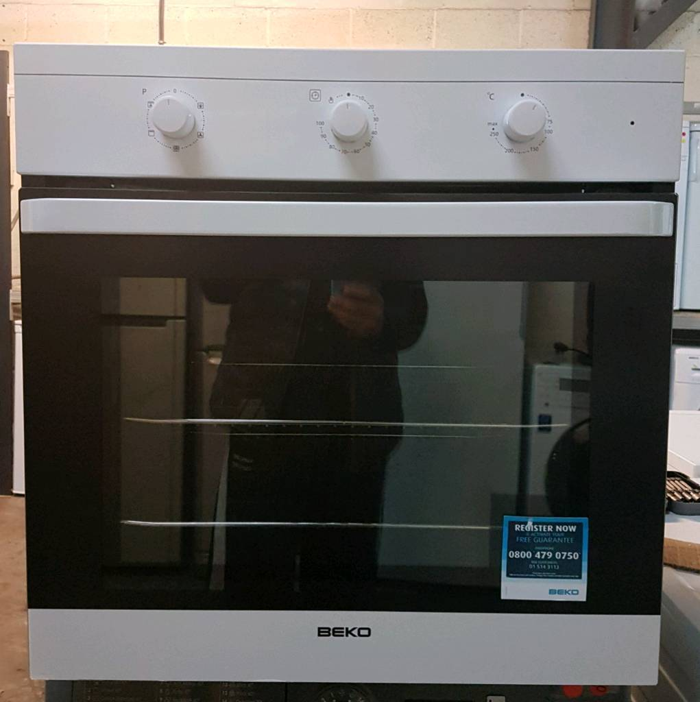 BEKO INTEGRATED FAN ASSISTED OVEN **FREE LOCAL DELIVERY 3 MONTHS GUARANTEE**