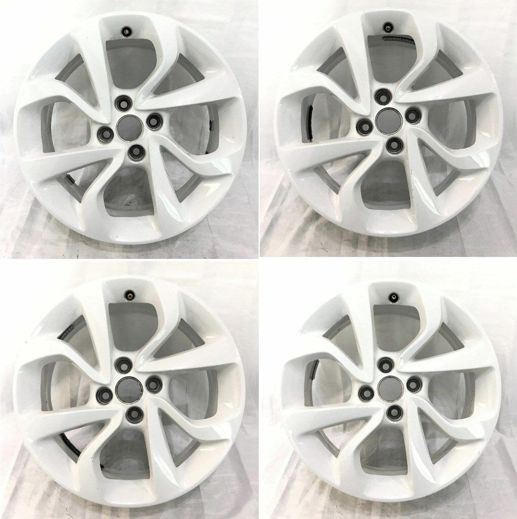 Vauxhall Corsa 16 inch white alloy wheel set, Good condition