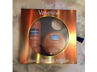 VASELINE Cocoa Radiant Gift Set