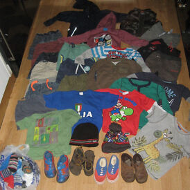 Boys clothes bundle age 2-4 years