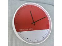 LARGE STYLISH RETRO KITCHEN WALL CLOCK, SEEING RED NO 18, UNUSED, BATTERY OPERATED