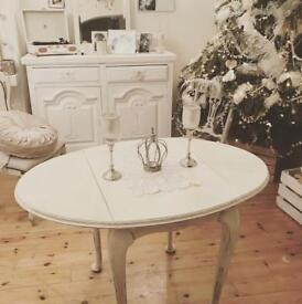 French style shabby chic drop-leaf table