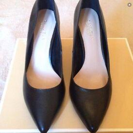 Kurt Geiger black ladies heels size 6/ 39