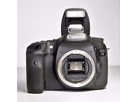 CANON 7D (BODY ONLY) VERY GOOD CONDITIONS 10600 SHUTTER COUNT + ORIGINAL BOX