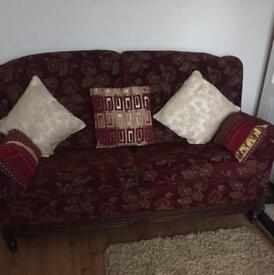 Vintage style sofa & 2 chairs