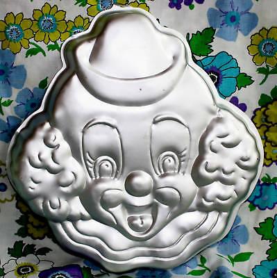 Wilton 1976 Creepy Clown Cake Pan Mold Halloween Party Birthday Bake Scare ](Creepy Halloween Cakes)