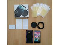 Nokia Lumia 930 Windows 10, Unlocked/Boxed with Wireless Charger