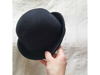 Select Women's black hat - one size