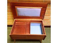 Arnold Sewing Chest / Wooden Storage