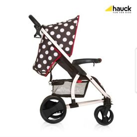 Lovely compact and practical travel system.