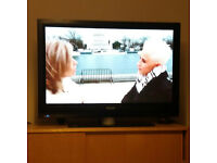 "42PFP5532D Philips 42"" Widescreen HD Plasma TV with remote control"