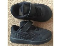 BNWT Nike Boy Black Trainers - Infant Size 4