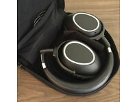 Wireless Headphones - Sennhesier PXC 550 Over-Ear Adaptive Noise Cancellation Headphones