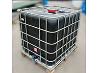 Black IBC 1000 Ltr water tanks