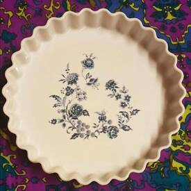 Beautiful vintage french porcelain flan dish