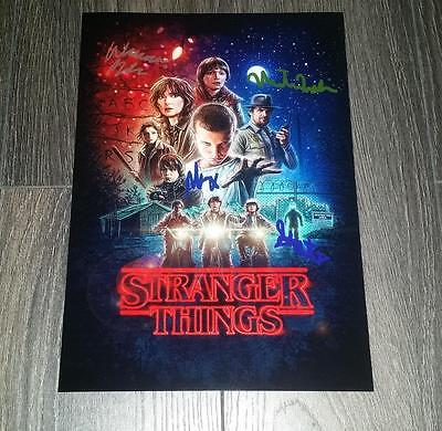 """STRANGER THINGS CAST X4 PP SIGNED 12""""X8"""" A4 PHOTO POSTER WINONA RYDER MODINE"""