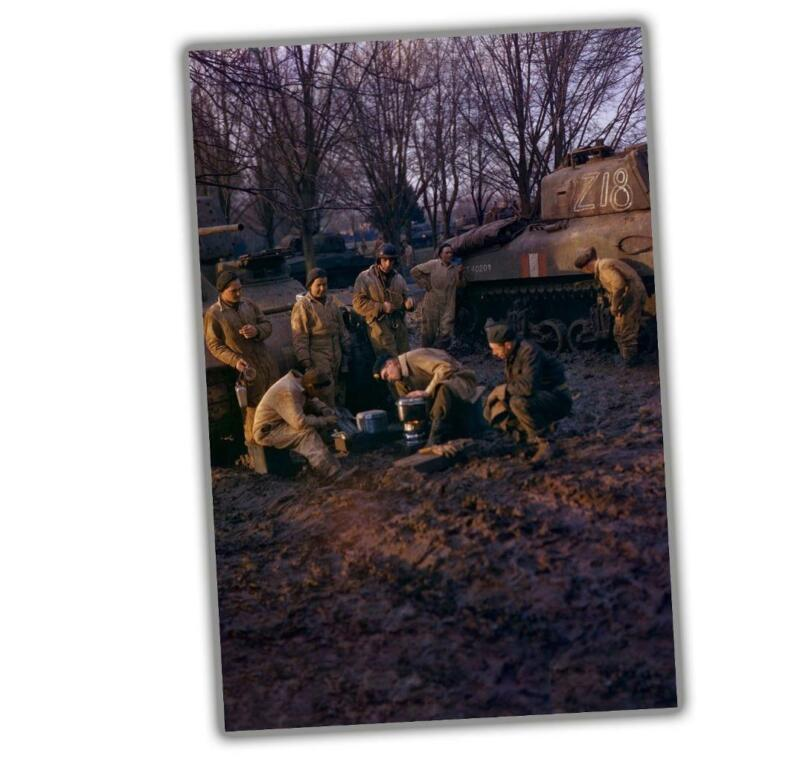 """Rare and Wonderful Color Photos of Canadian Soldiers Glossy Size """"4 x 6"""" inch Q"""