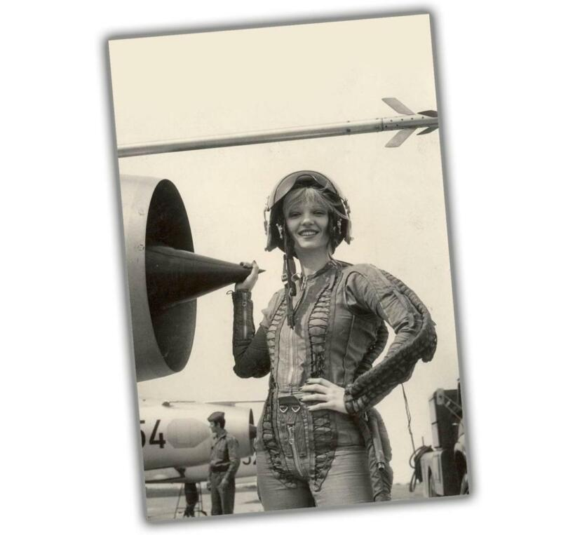"Korea War Sexy Woman near the engine girl in pilot costume Size ""4 x 6"" inch ζ"