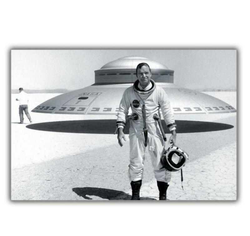 """American pilot near a flying saucer in area 51 experimental aviation""""4 x 6"""" δ"""
