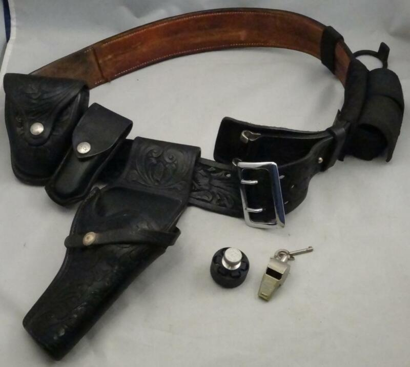Leather Police Belt w/ Holster & Accessories Size 41 SD Myres El Paso TX