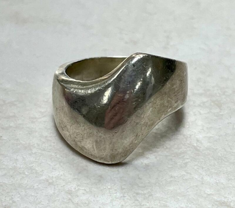 Vintage Mexico Sterling Silver Unique Ring ~ Size 7 ~ 10.4 grams ~ 9-A1511
