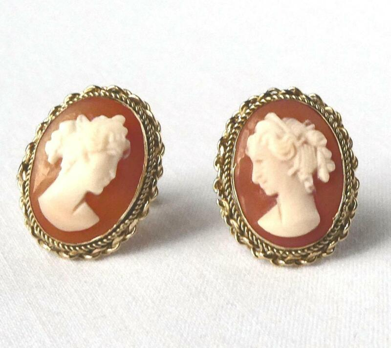 QUALITY Vintage14k Gold Hand Carved Shell Cameo Stud Earrings Artist Signed 3.8g